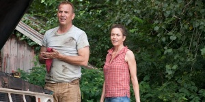 Kevin Costner as Jonathan Kent and Diane Lane as Martha Kent